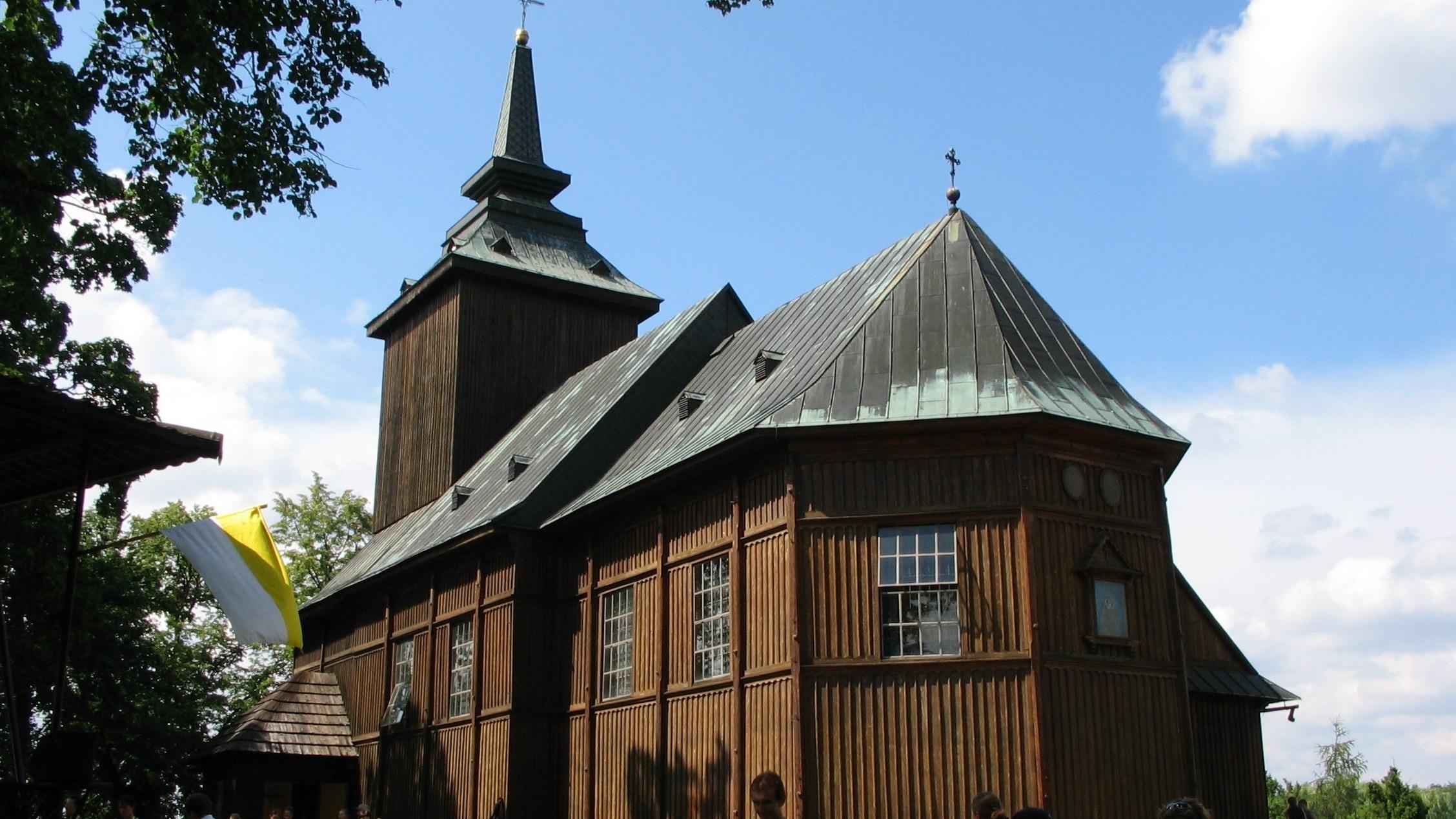 Kościół_w_Lewiczynie